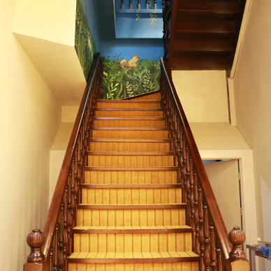 图书馆楼梯装修案例