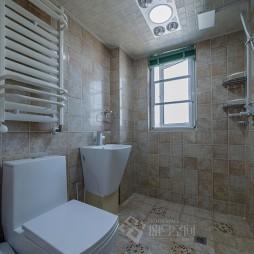 美式三居室卫浴效果图