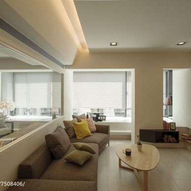现代风格三居室客厅装修图