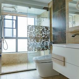 北欧风格四居室卫浴设计