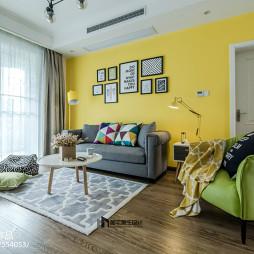 北欧风格客厅沙发背景墙设计