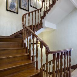 美式木质楼梯设计案例