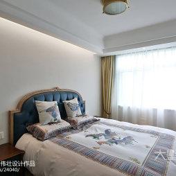 简洁欧式风格卧室布置
