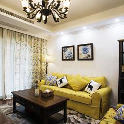 美式风格温馨客厅布置