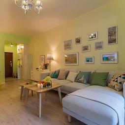 混搭风格客厅照片墙设计