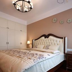 舒适美式风格卧室布置
