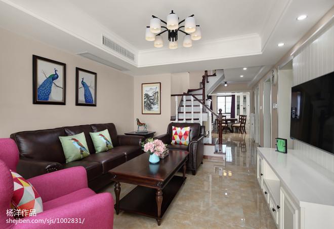 美式风格复式客厅装饰图