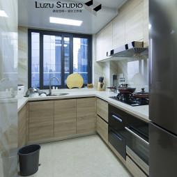 整洁现代风格厨房装饰图