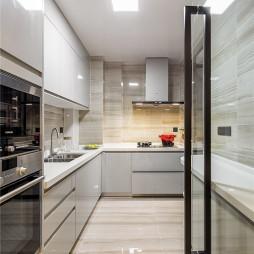 现代风格白色厨房装修