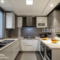 白色现代风格厨房设计