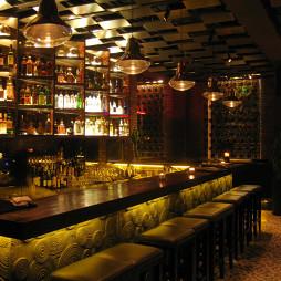 褐石酒吧吧台设计