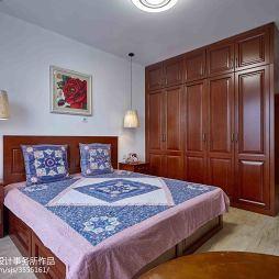 简洁现代风卧室布置