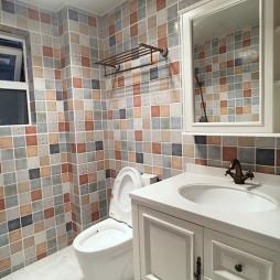 北欧风格马赛克瓷砖卫浴设计