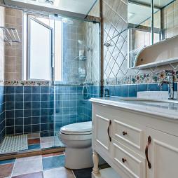 蓝色美式卫浴装修