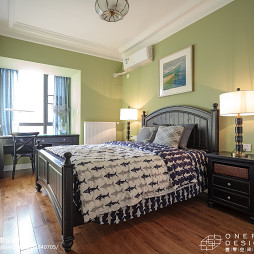 清爽美式卧室装饰图