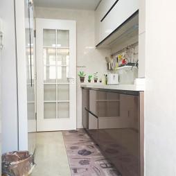 现代风格整洁厨房设计