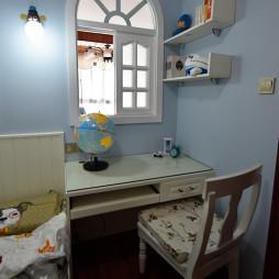 美式儿童房学习桌装修