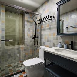 混搭风格卫浴马赛克瓷砖设计