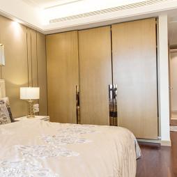 现代风格卧室衣柜图片