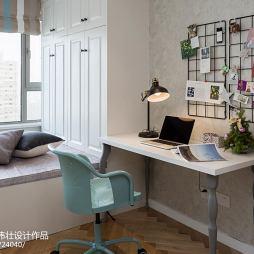 北欧风格榻榻米小书房设计