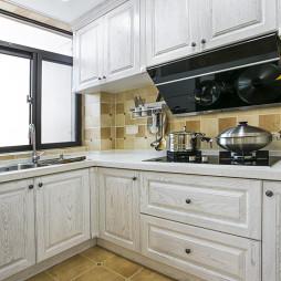 美式厨房白色橱柜设计