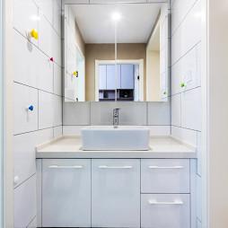 簡約風格衛浴鏡柜設計