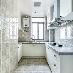 白色厨房瓷砖