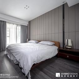 现代卧室硬包背景墙装修