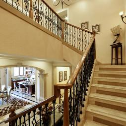 雅致轻奢别墅楼梯扶手