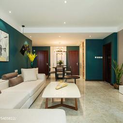深蓝色沙发背景墙