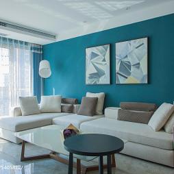深蓝色客厅沙发背景墙