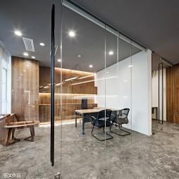 ELLE办公空间小会议室