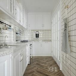 纯白厨房设计