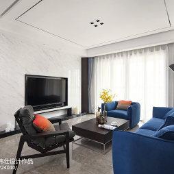 家居客厅嵌入式电视