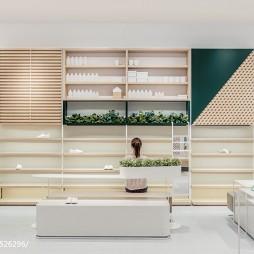 HOTWIND概念店装饰架