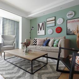 最新客厅沙发背景墙装饰