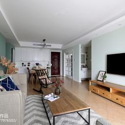 客厅原木电视柜