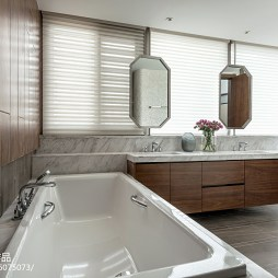 现代浴缸装修