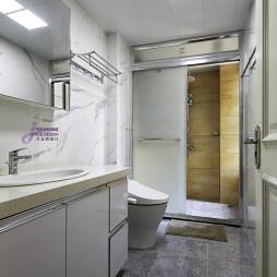 白色卫浴装修
