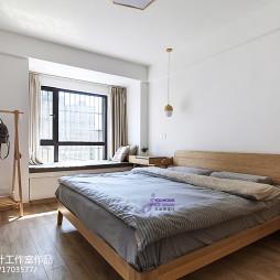 日式卧室窗台