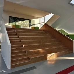 小学教学楼楼梯设计