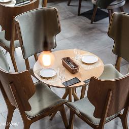 牛牛西厨品牌连锁餐馆桌椅设计图