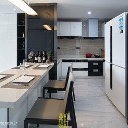 灰白现代风格餐厅厨房一体设计图