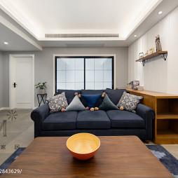 80m²休闲美式客厅沙发摆放设计图