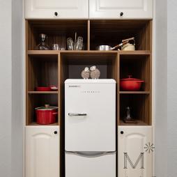 80m²休闲美式厨房储物柜设计图