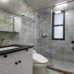 美式三居小型卫浴设计图片