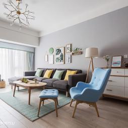 朴素北欧三居客厅沙发设计图