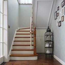 经典美式复式楼梯设计图