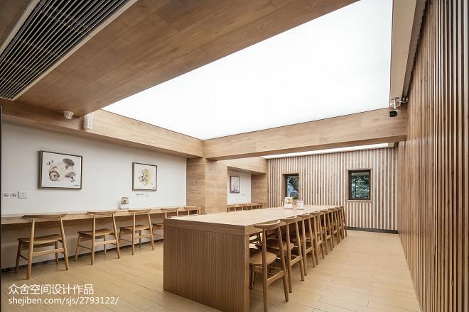 「味兮良食」餐厅桌椅摆放设计图