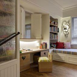 美式家装儿童房书桌设计图